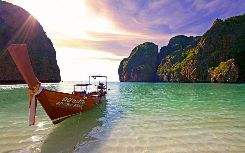 อ่าวมาหยา สถานที่ท่องเที่ยวกระบี่ ของเกาะพีพีเล