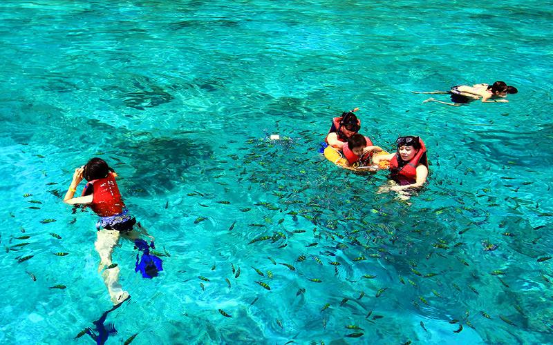 หินกลาง-เกาะพีพี-กระบี่