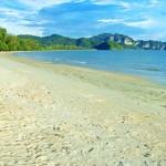 หาดนพรัตน์ สถานที่ท่องเที่ยวของกระบี่ที่ชายหาดยาวมาก