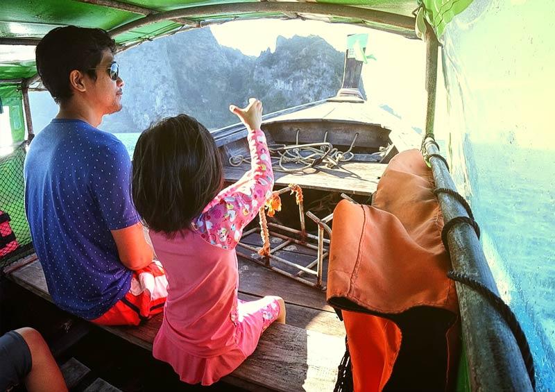 พาลูกนั่งเรือหางยาว ไปเที่ยวทะเลแหวก