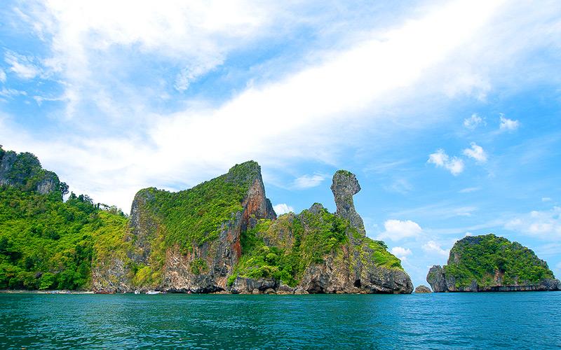 chicken-island-attraction-thailand