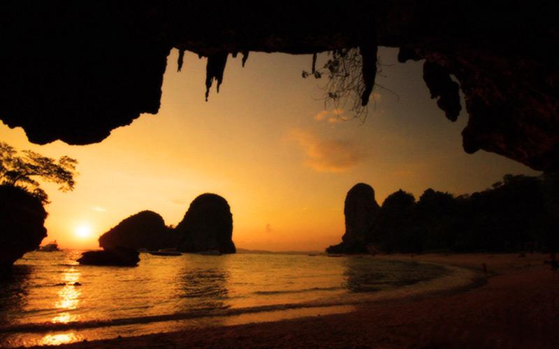 Aonang-cave-krabi