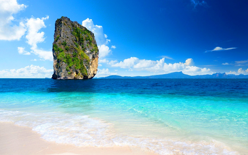 poda-island-krabi-thailand